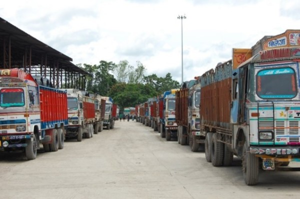Trucks waiting at the Nepal-India border, Biratnagar, Nepal (Photo: Oliver Walton)